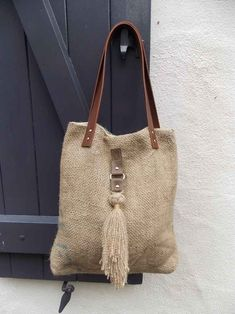 Burlap Bags, Jute Bags, Hessian, Sacs Tote Bags, Boho Bags, Craft Bags, Linen Bag, Bag Patterns To Sew, Denim Bag