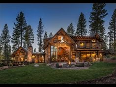mountain homes 15 Custom Homes Will Make You Fall In Love With Mountain Living Mountain Home Exterior, Modern Mountain Home, Mountain House Plans, Mountain Living, Mountain Homes, Log Homes Exterior, Mountain Cabins, Log Home Plans, Log Cabin Homes