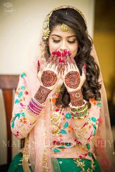 Lovely Pakistani Mehndi Dress, Bridal Mehndi Dresses, Bridal Henna, Pakistani Bridal, Indian Wedding Couple Photography, Indian Wedding Bride, Bridal Photography, Mehendi Photography, Indian Weddings