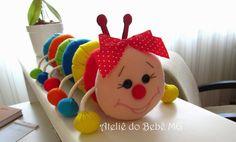 Ateliê do Bebê MG: Centopéia em Feltro Pom Pom Crafts, Felt Crafts, Diy And Crafts, Crafts For Kids, Baby Play, Baby Toys, Kids Toys, Fairy Crafts, Angel Crafts