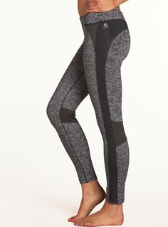 Moto lesley tights .While the surface is smooth, the backside has a light brushed fleece, so these bottoms are ready to hit the winter roads and trails. These tights also enjoy a good pair of rain boots, clogs or fuzzy socks. #christmasgiftsforrunners