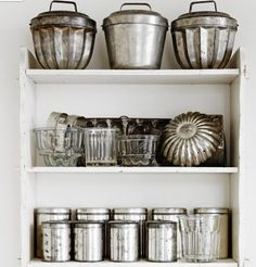 Vintage Baking Tins. Now only if someone would just do the baking for us..