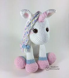 Amigurumi Unicorn ❤ 64 Inspirational Templates Come and see! Crochet Amigurumi, Amigurumi Patterns, Amigurumi Doll, Knit Crochet, Crochet Patterns, Crochet Unicorn Pattern, Crochet Horse, Little Girl Toys, Stuffed Animal Patterns