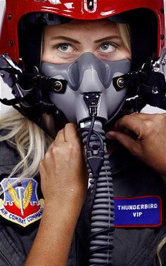 Oxygen Mask, Female Pilot, Half Mask, Respirator Mask, Full Face Mask, Fighter Pilot, Cute Pokemon, Welding Projects, Jennifer Aniston