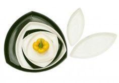 """Päivi Rintaniemi's """"Tri"""" plates (Amfora)"""