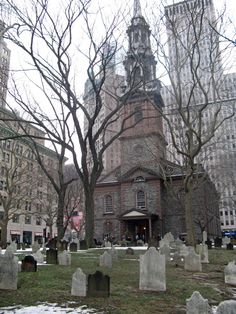 St. Paul's Chapel in New York. located at 209 Broadway, between Fulton and Vesey Streets, in Lower Manhattan. It is the oldest surviving church building in Manhattan and the oldest public building in continuous use in New York City. The chapel survived the Great New York City Fire of 1776 when after the battle of Long Island the British captured the city. George Washington, along with members of the United States Congress, worshipped at St. Paul's Chapel on his Inauguration Day, on April 30…