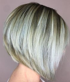 Stacked Bronde Bob With White Balayage Inverted Bob Hairstyles, Short Bob Haircuts, Hairstyles Haircuts, Straight Hairstyles, Short Hair Cuts, Short Hair Styles, Corte Y Color, Wedge Haircut, Trending Hairstyles