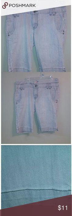 Xhilaration gray shorts Very nice.  Missing button on back pocket Xhilaration Shorts Jean Shorts