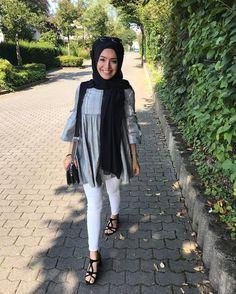 "2,470 Beğenme, 14 Yorum - Instagram'da B E Y Z A  T U R A N /21 y/o (@beyza.turan.__): """" beyaz kot başörtülü başörtüsü kadın giyim modelleri white jeans hijab All Fashion, Modest Fashion, Hijab Fashion, Fashion Outfits, Hijab Style, Hijab Chic, Girl Hijab, Hijab Outfit, Modele Hijab"