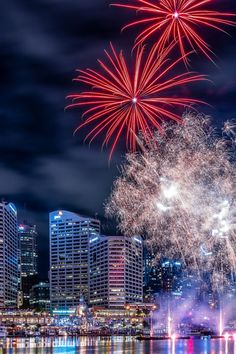 fireworks in darling harbour wallpaper Iphone Pro Ma Wallpaper - Best Home Design Ideas Fireworks Wallpaper, City Wallpaper, Mobile Wallpaper, Iphone Wallpaper, Types Of Photography, Art Photography, Best Diwali Wishes, Fireworks Pictures, 4th Of July Images