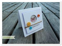 papierrascheln.blogspot.de 》Kleine quadratische Karte mit Schüttelfenster, coloriertem Schmetterling und bunten Knöpfen.