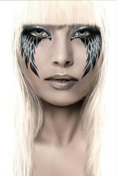 Pretty hott in my opinion.... Creative makeup #artmeetsfashion