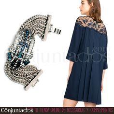 Less is more. No tendrás que ponerte más #complemento que nuestra #pulsera #plateada Chrysler para destacar. Enamora gracias a su aire #retro y a su precioso y original dibujo #artdecó ★ Precio: 14,95 € en http://www.conjuntados.com/es/pulsera-plateada-chrysler.html ★ #novedades #bracelet #lessismore #joyitas #jewelry #bijoux #bisutería #accesorios #tendencias #trendy #moda #estilo #style #fashion #GustosParaTodas #ParaTodosLosGustos