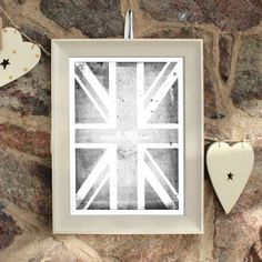 1167 EXMOUTH DISTRESSED CREAM PICTURE FRAME 32MM - Trade prices,Next Day Delivery,Bulk Discount