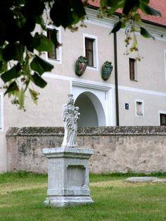 Castle - Červený Kameň. Slovakia. Bratislava, European Countries, Czech Republic, Castles, Garden Sculpture, Outdoor Decor, City, Slovenia, Hungary