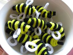 bumble bee, pipe cleaner | Pipe Cleaner Bee