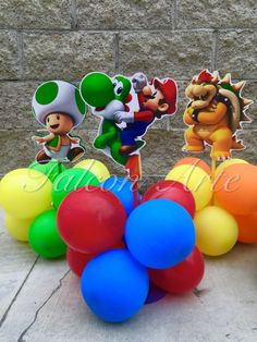 Mario Bros Balloon Centerpiece with Mario por RosiesPoshParties