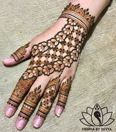 Simple Henna Designs 40 Bridal Mehendi For The Bride S Hands Front Latest Arabic Mehndi Designs, Back Hand Mehndi Designs, Indian Mehndi Designs, Mehndi Designs For Beginners, Mehndi Designs For Girls, Unique Mehndi Designs, Wedding Mehndi Designs, Henna Designs Easy, Mehndi Designs For Fingers