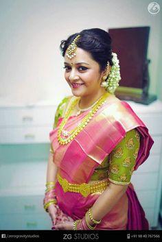 Bride Portrait, Portrait Poses, Lehnga Dress, Saree Blouse, Indian Silk Sarees, Kanchipuram Saree, Bridal Blouse Designs, Saree Look, South Indian Bride
