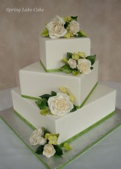 square off set wedding cake | off set wedding cake with sugar roses and foliage