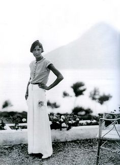 Armani and Coco Chanel hit the Southern Shore.    http://images.thesartorialist.com/photos/Maria%20Jose%20Lozano%20Asensio.jpg