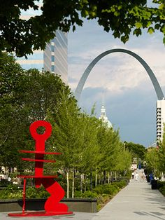 Whether you live in St. Louis or are visiting, there are a wealth of attractions and many are at no-cost... just one of the reasons we love our city! | Things To Do In St. Louis | midwestliving.com