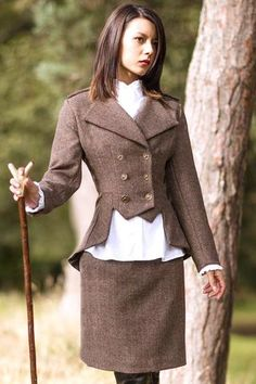 My Style:  Lady Mary #Jacket (Glenshiel Tweed). More og these doghandlers, makes the hunt more stylish.