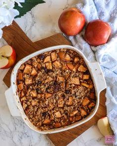 Vegan Baked Oatmeal, Healthy Oatmeal Recipes, Baked Oats, Apple Crisp Recipes, Tasty Healthy Meals, Coconut Oatmeal, Breakfast Healthy, Vegan Baking, The Oatmeal