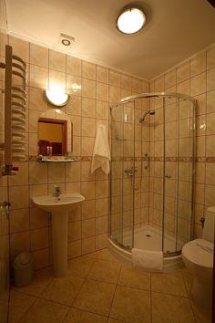 W każdej łazience - zestaw minikosmetyków, ręczniki