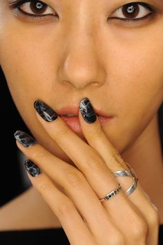 The Only 10 NYFW Beauty Trends That Work in Real Life