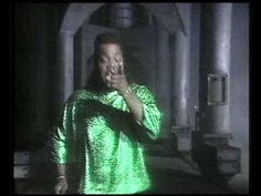 Love Can't Turn Around - Farley Jackmaster Funk, featuring Darryl Pandy  I LOVE this video!