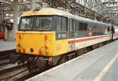 BR Class 87 87023 Velocity at Glasgow Central on the 6th June 1992