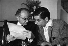 """Dos mitos del fotoperiodismo, David Seymour """"Chim"""" y Robert Capa. Fotografía de Henri Cartier-Bresson"""