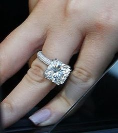 It's beautiful and I like the style,  it's toooooooooo big! Khloe Kardashian's ring