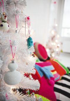 . Cute Christmas Decorations, Christmas Lights, Christmas Ornaments, Holiday Decor, Christmas Ideas, Illustration Noel, Christmas Illustration, Illustrations, Bubble