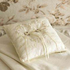 リネンのリングピロー Hand Embroidery, Embroidery Designs, Ring Pillow Wedding, Rustic Wedding, Wedding Ideas, Ring Bearer, Ivory, Wedding Rings, Wedding Dresses