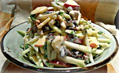 Kohlrabi, apple and dates salad