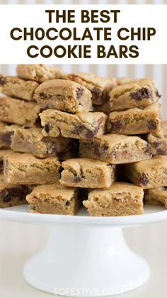 Need a quick dessert? And don't have time to make cookies? You'll love The Best Chocolate Chip Cookie Bars recipe. Make 2 dozen in 30 minutes. Baking Recipes, Cookie Recipes, Dessert Recipes, Baking Pan, Bar Recipes, Baking Soda, Homemade Chocolate, Chocolate Recipes, Healthy Chocolate