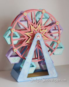 Denni's incredible paper ferris wheel from SVGCuts #svgfiles #papercrafts