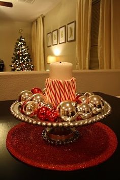 Quick and easy Christmas centerpiece