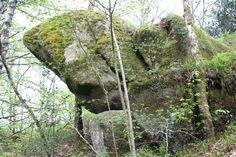 Un chaos rocheux dans les Monts d'Ambazac. www.randonnee-limousin.fr © Bureau des Accompagnateurs de la Montagne Limousine