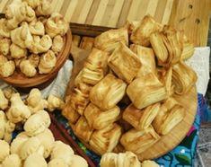 Bizcochitos, cuernitos y libritos de grasa y queso