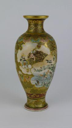 QUALITY SIGNED 19TH CENTURY JAPANESE SATSUMA VASE.