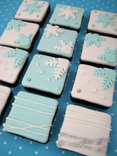 Bubble and Sweet: Snowflake flurry cookie bites - cute mini square Christmas cookies -- Now to do this with Royal icing instead of fondant. :)