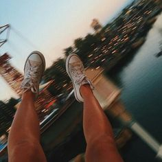 Life is an adventure. live it to the full Hot Dogs Or Legs, Snapchat, Hipster Photography, Art Photography, E Motion, Summer Photos, Poses, Heroes Of Olympus, Adventure Is Out There