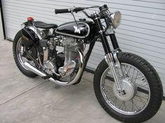 British Motorcycles, Vintage Motorcycles, Cars Motorcycles, Vintage Cafe Racer, Vintage Bikes, Motos Trial, Classic Bikes, Classic Motorcycle, Motorcycle Engine