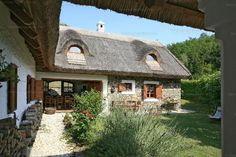 Veszprém megye, Szigliget #6596401 Chalet Style, Cottage Homes, Traditional House, Country Life, New Homes, Farmhouse, Exterior, House Design, House Styles