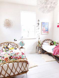 20 Fantastic Girls Bedroom Ideas with Inspiring Makeover Tips // amazing girls bedroom ideas // Girls Bedroom Ideas – Decoration Ikea, Kids Decor, Decor Ideas, 31 Ideas, Rattan Headboard, Headboard Ideas, Casa Kids, Girls Bedroom, Bedroom Ideas