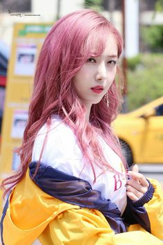 dedicated to female kpop idols. Kpop Girl Groups, Korean Girl Groups, Kpop Girls, Extended Play, Oppa Gangnam Style, Rapper, Bubblegum Pop, Sinb Gfriend, Kpop Hair