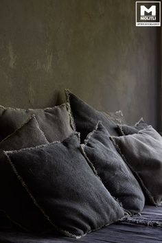 Televisiekamer met betonstuc meubel www.molitli-interieurmakers.nl
